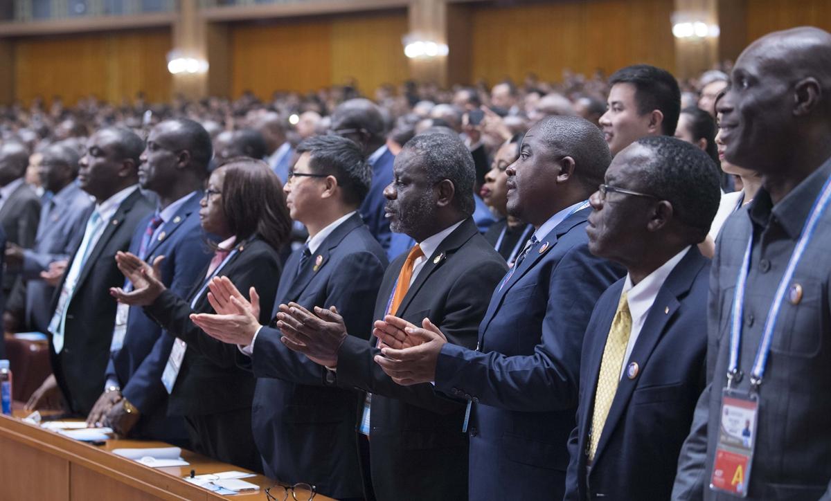 oficiales africanos durante la Cumbre de Cooperación China y África