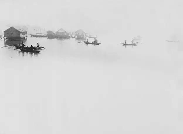 Lang Jiangshan - Bruma en el río por la tarde (烟江晚泊)